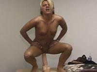 Annabelle fucking a big dildo