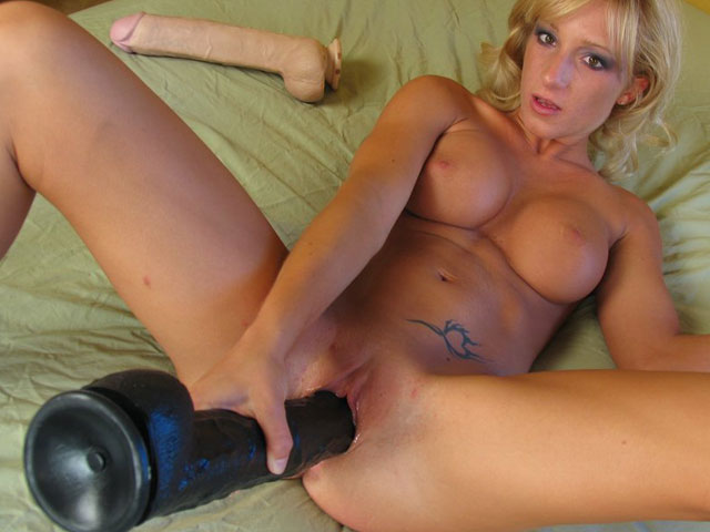 Ashley drills fully gitotallynt dildo