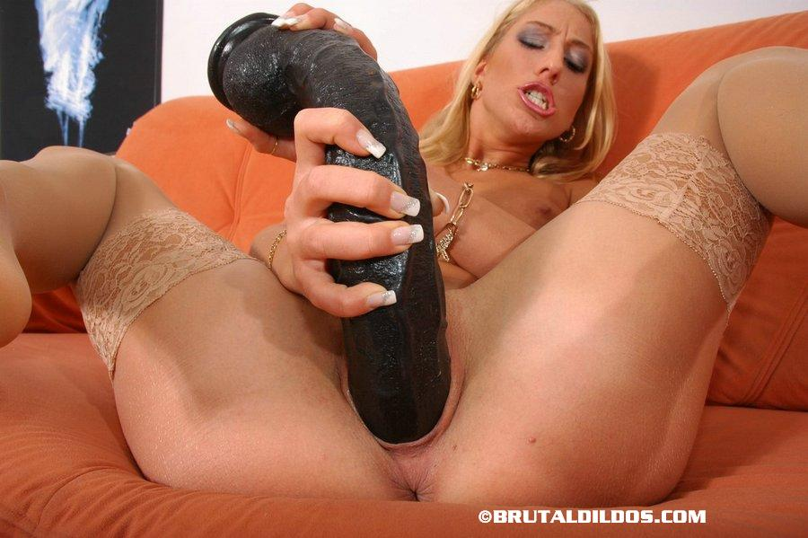 Cock stretching pussy