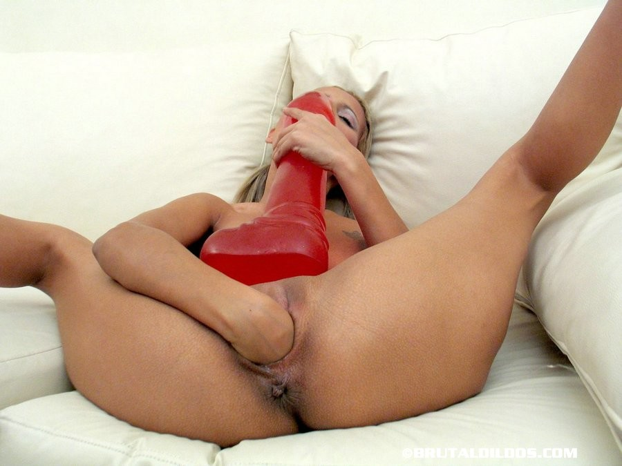 Maya Hills Deepthroat Blowjob And Facial